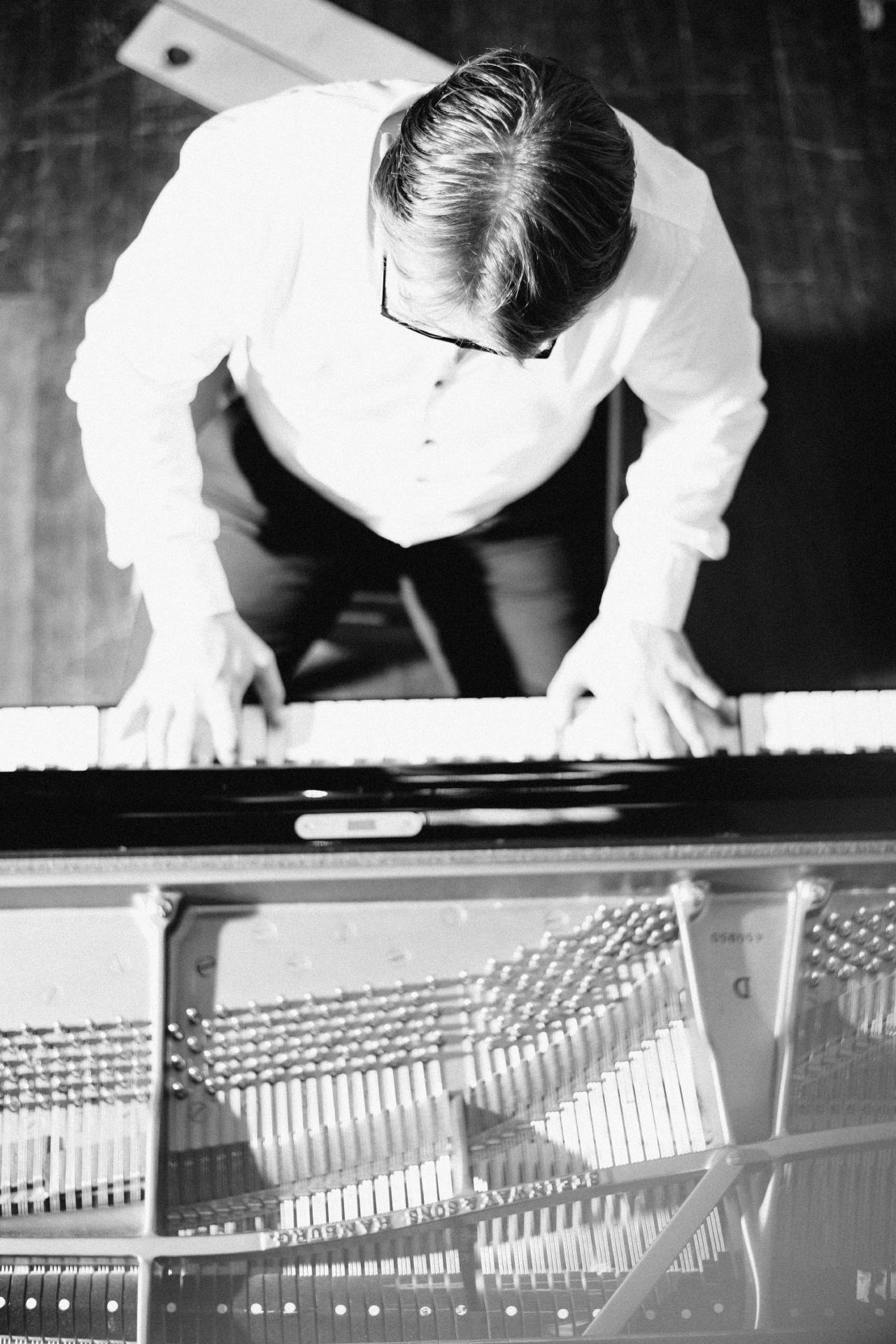 Pianist Alexander Hoell